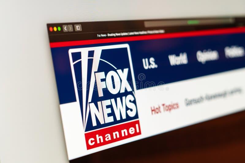 Homepage do Web site de Fox News Feche acima do logotipo do canal de Fox News foto de stock