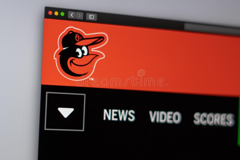 Homepage f?r basketlagBaltimore Orioleswebsite St?ng sig upp av laglogo royaltyfri foto