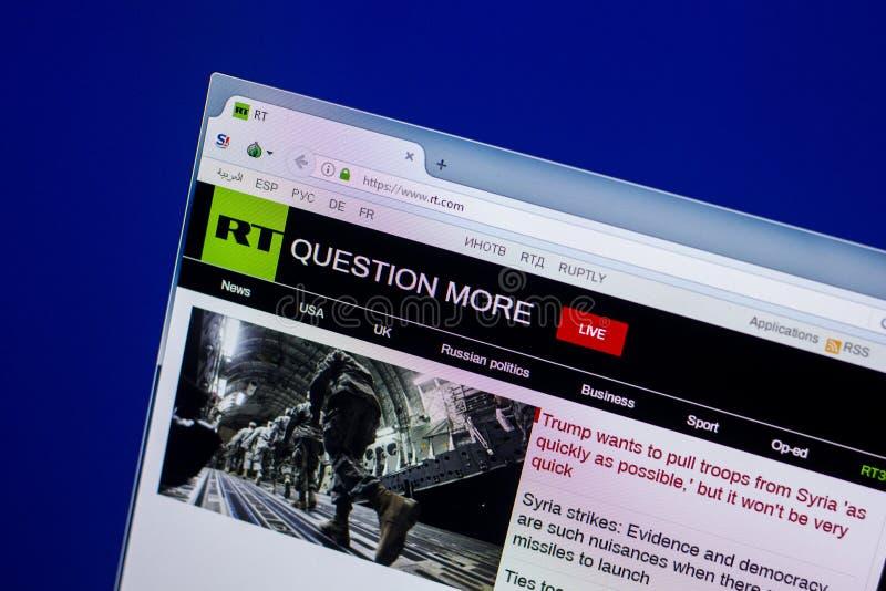Homepage Rosja Dzisiaj strona internetowa na pokazie pecet, url - rt Ryazan Rosja, Kwiecień - 16, 2018 - com obrazy stock