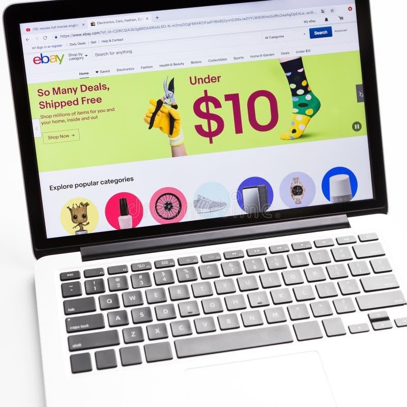 Homepage van officiële website voor Ebay, online veiling en verkoopwebsite stock foto
