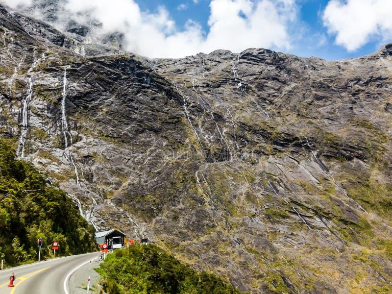 Homer Tunnel is een lange wegtunnel in Fiordland-gebied van het Zuideneiland Nieuw Zeeland royalty-vrije stock foto's