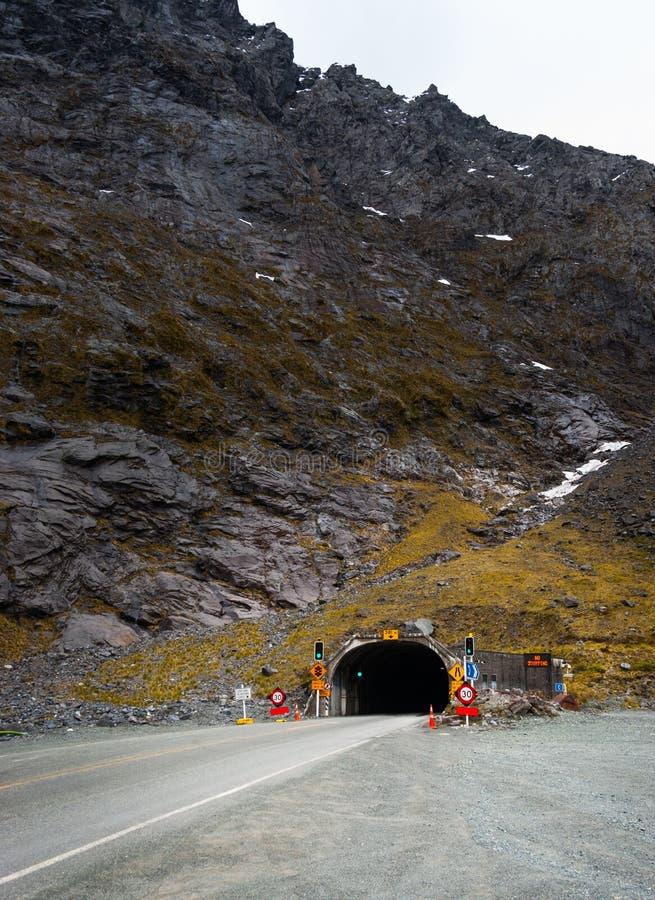 Homer Tunnel, Milford Sound fotografia stock