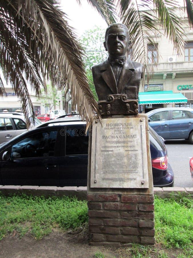 Hommage de sculpture à Leonidas Barletta dans Boedo images stock