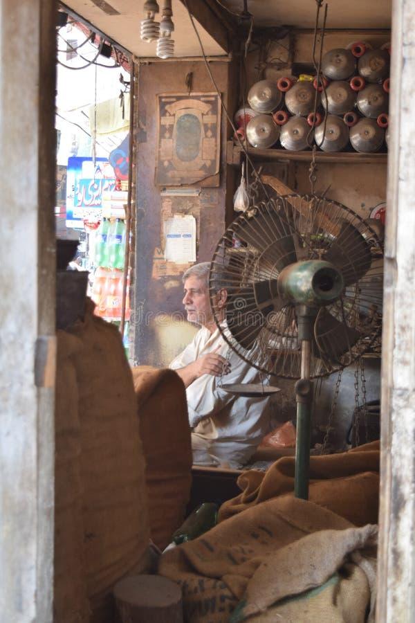 Homme à Lahore image stock