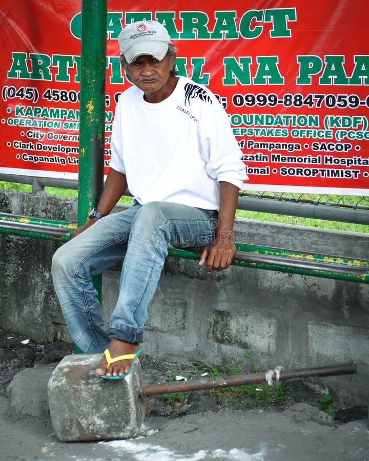 Download Homme aîné asiatique photo stock éditorial. Image du outside - 45350383