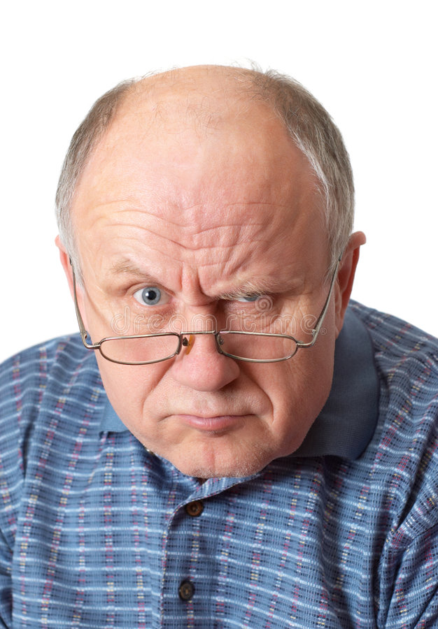 Homme aîné chauve dupant autour image libre de droits