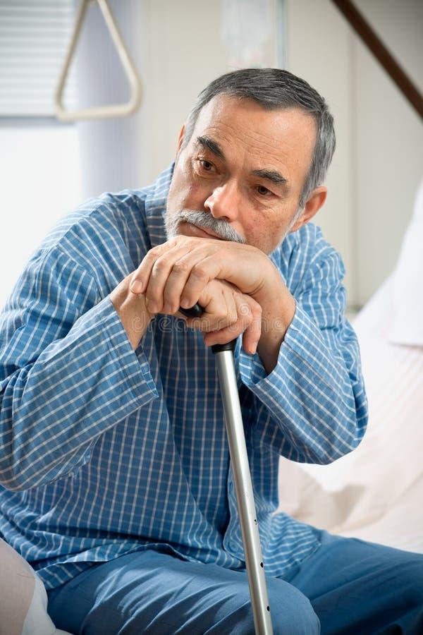 Homme aîné dans l'hôpital image libre de droits