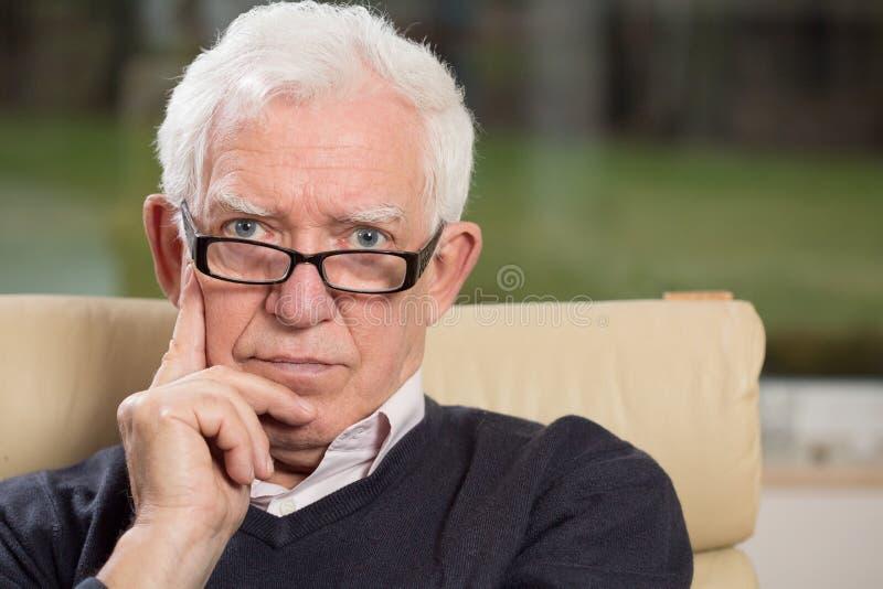 Homme aîné intelligent image libre de droits