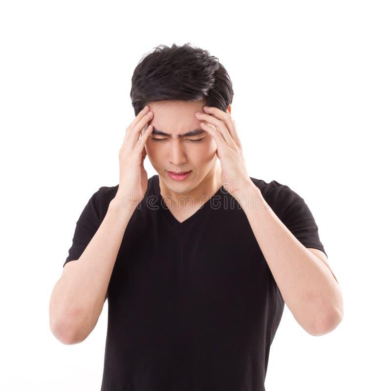 Homme affligé et stressant pensant, souffrant du mal de tête photos libres de droits