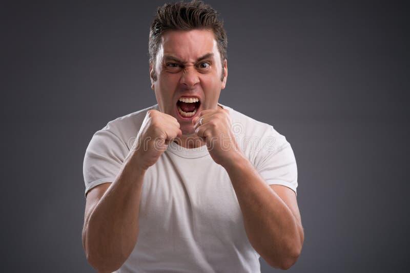 Homme agressif photo libre de droits
