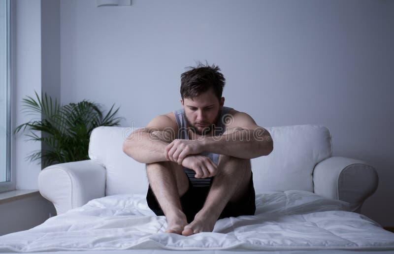 Homme après panne mentale photo libre de droits
