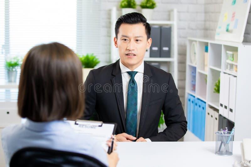 Homme asiatique dans l'entrevue d'emploi photographie stock libre de droits