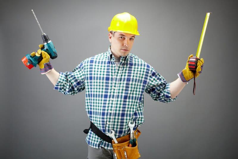 Homme avec des outils photos libres de droits