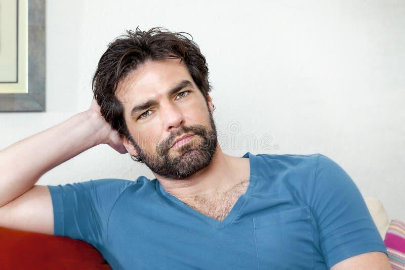 Homme avec la barbe photo stock