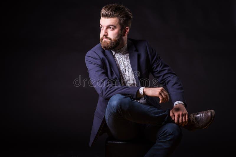 Homme avec la barbe, portrait de couleur photographie stock libre de droits