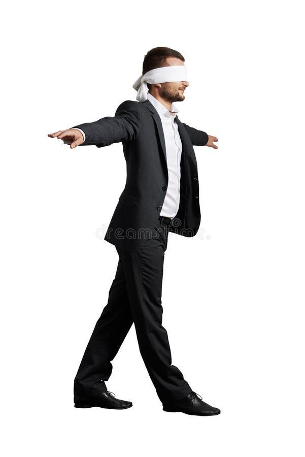Homme avec le bandeau images stock