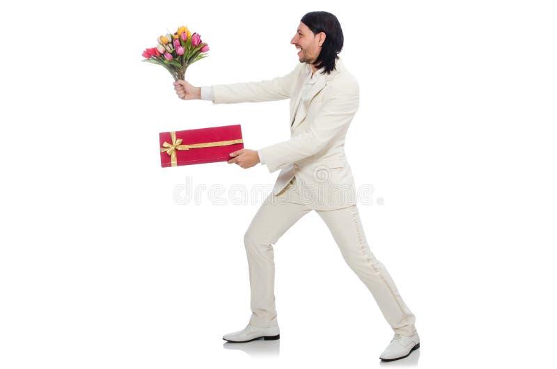 Homme avec le giftbox d'isolement sur le blanc photo stock