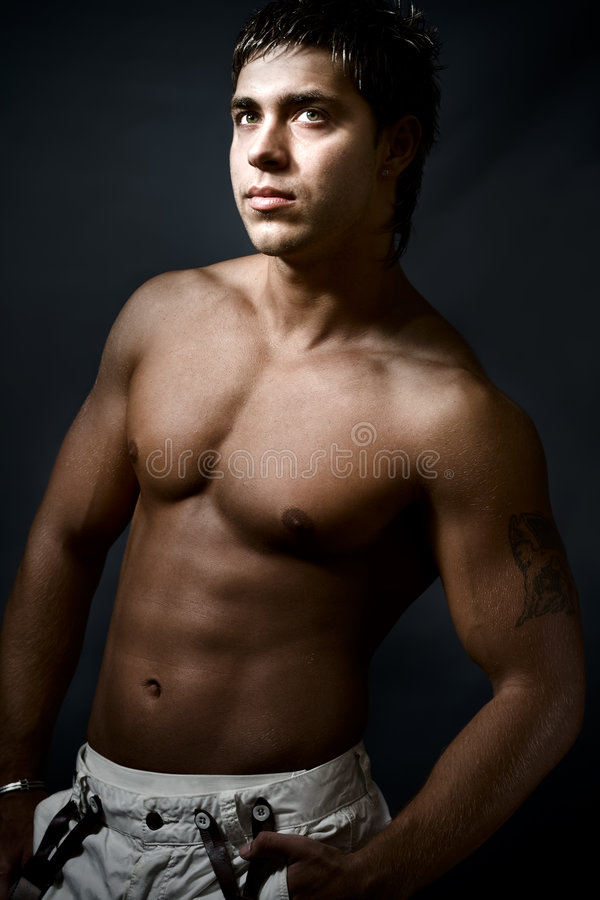 Homme bel musculaire sexy image stock