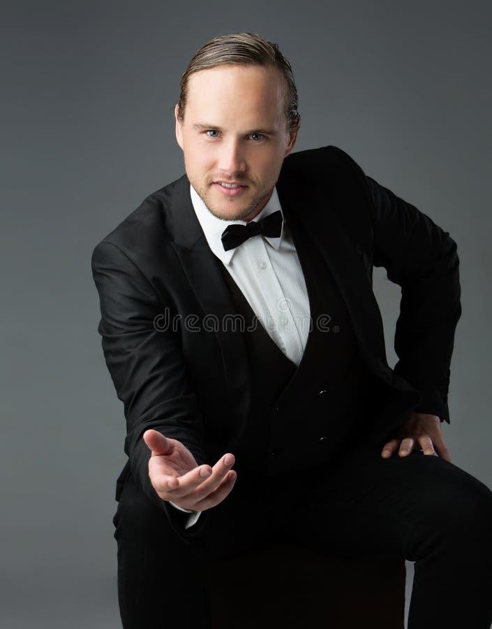 Homme caucasien bel image stock