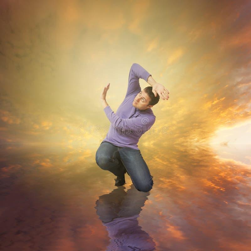 Homme craignant Dieu pour ses péchés image libre de droits