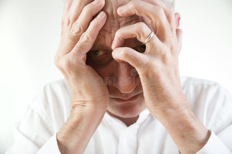 Homme déprimé images stock