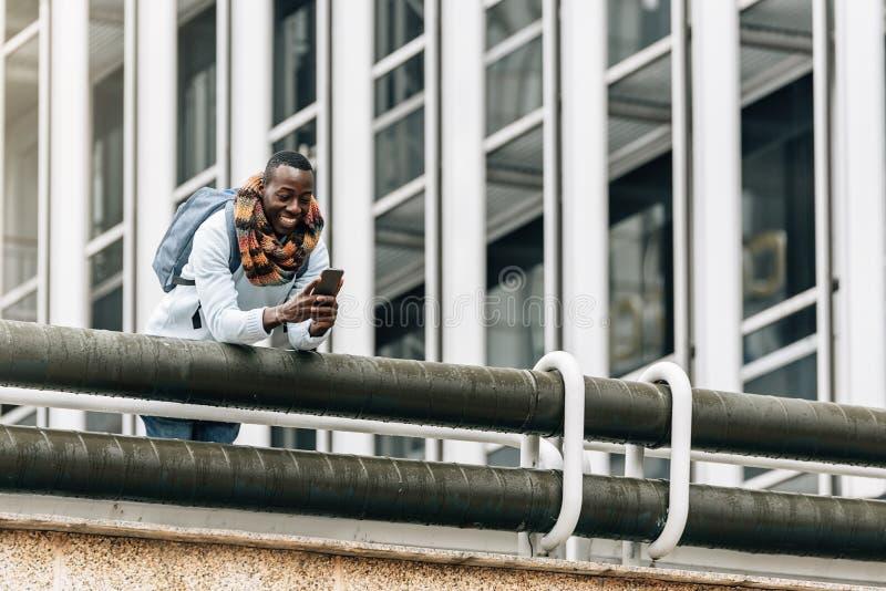 Homme d'affaires dans la rue photo libre de droits