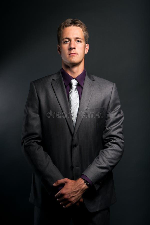 Homme d'affaires dans le costume photographie stock