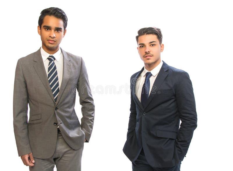 Homme d'affaires de deux jeunes dans les costumes photo libre de droits