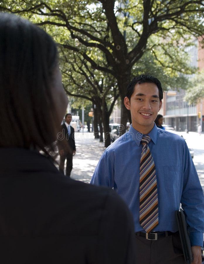 Homme d'affaires en dehors de 2 image libre de droits
