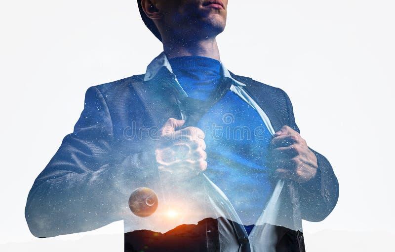 Homme d'affaires et espace superbes dans son coffre illustration libre de droits