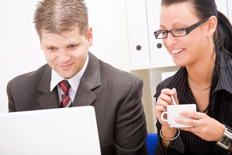 Homme d'affaires et femme d'affaires image stock