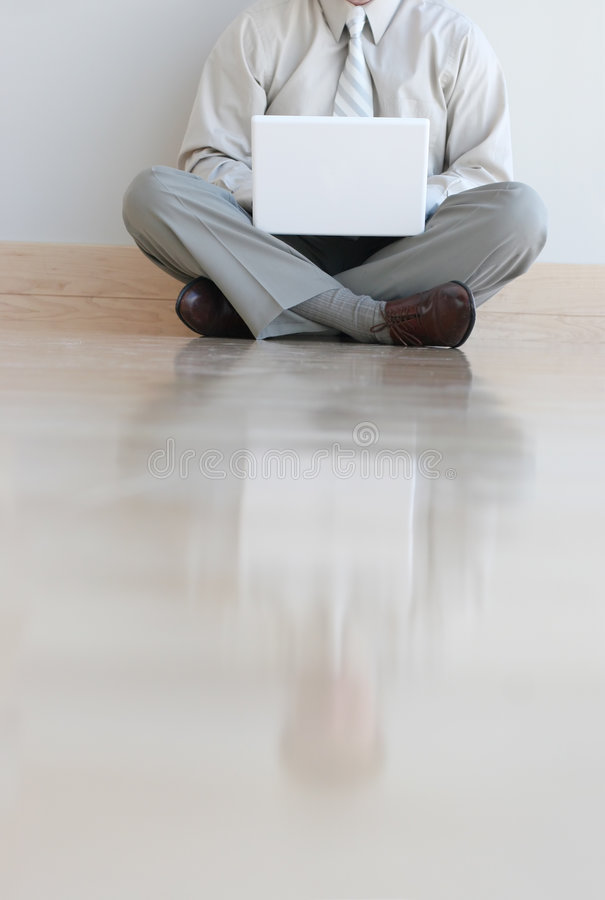 Homme d'affaires et ordinateur portatif images libres de droits