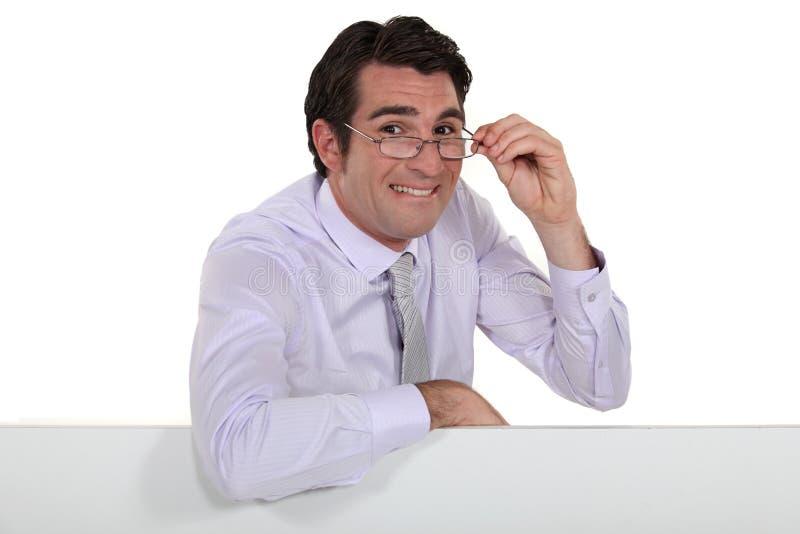Homme d'affaires faisant de visage étrange. photos stock