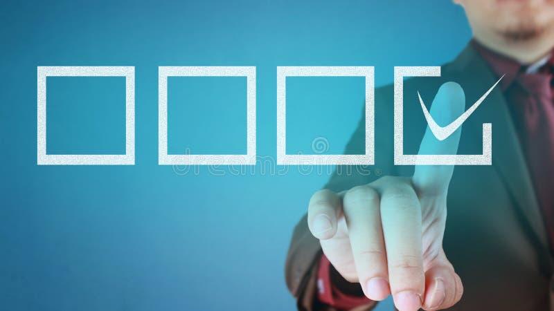 Homme d'affaires faisant un choix image libre de droits