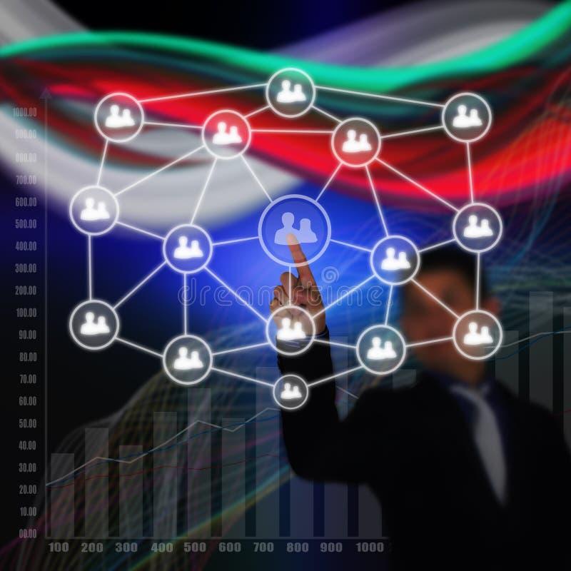 Homme d'affaires Hand poussant le réseau social photographie stock