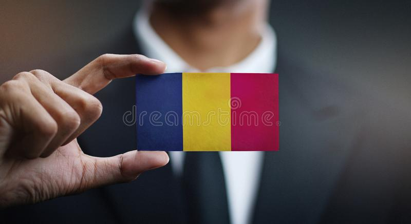 Homme d'affaires Holding Card de Chad Flag photos libres de droits
