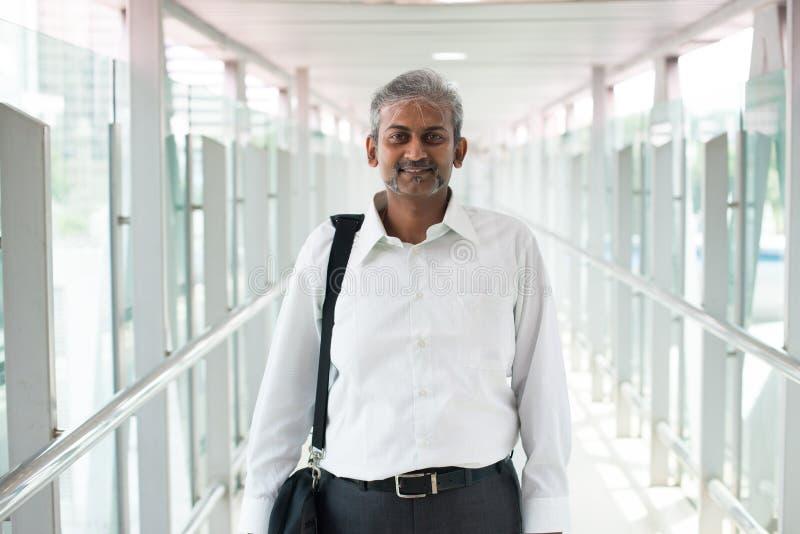 Homme d'affaires indien extérieur photo libre de droits