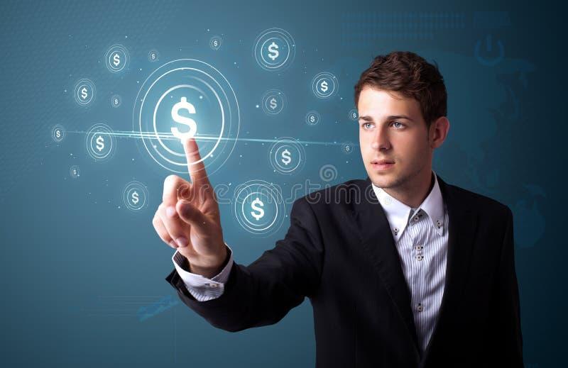 Homme d'affaires pressant le type moderne d'affaires de boutons images stock