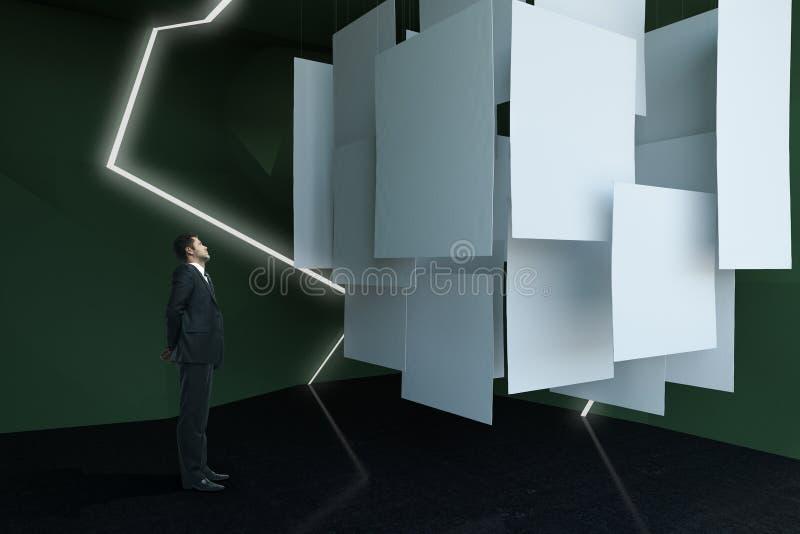 Homme d'affaires regardant la toile images libres de droits