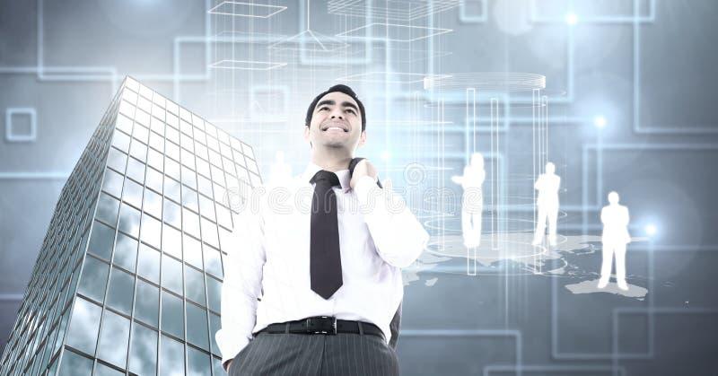 Homme d'affaires se tenant avec confiance avec l'édifice haut avec des silhouettes et des formes de personnes images libres de droits