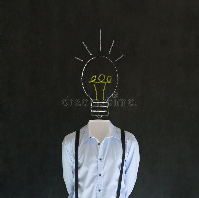 Homme d'idée intelligent avec la tête d'ampoule de craie image libre de droits