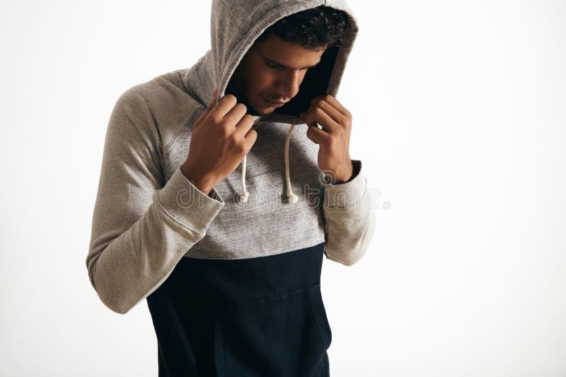 Homme dans l'ensemble clotching gris de maquette de bruyère vide image libre de droits