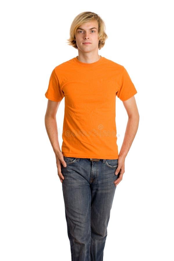 Homme dans la chemise orange images stock