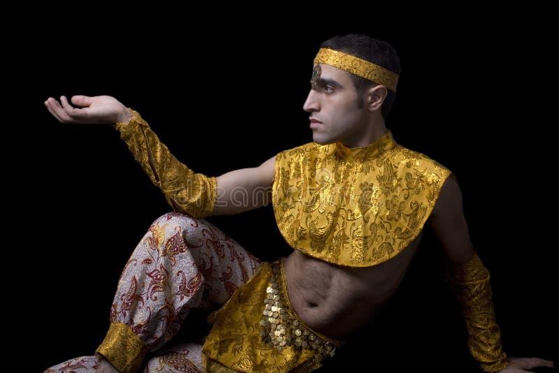 Homme dans la danse de froussard images libres de droits
