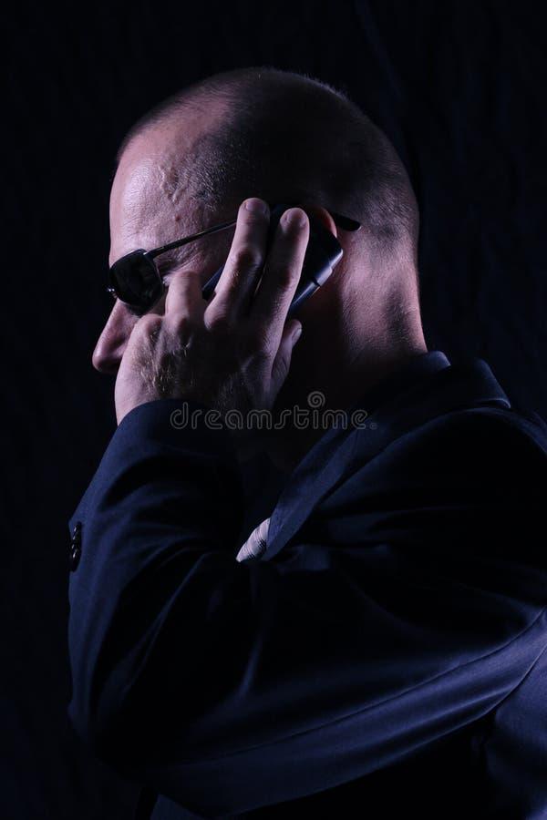 Homme dans le noir photos libres de droits