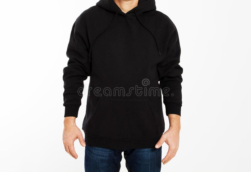 Homme dans le pull molletonné noir sur le fond blanc - moquerie masculine de hoodie, blanc noir de capot image stock