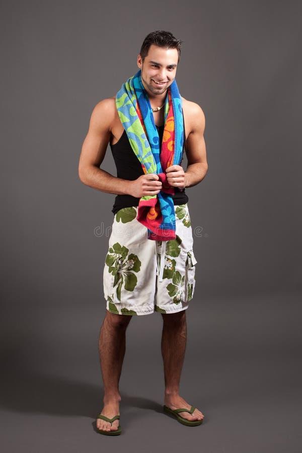 Homme dans les vêtements de bain image stock