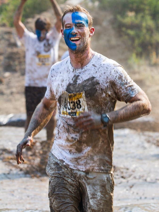 Homme de Facepainted pendant la course photo libre de droits