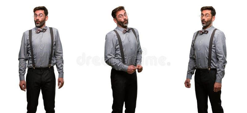 Homme de Moyen Âge portant un costume images stock