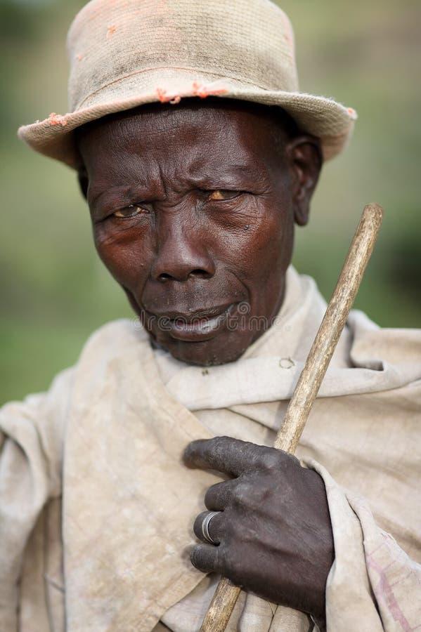 Homme de Mursi dans Omo du sud, Ethiopie photo libre de droits